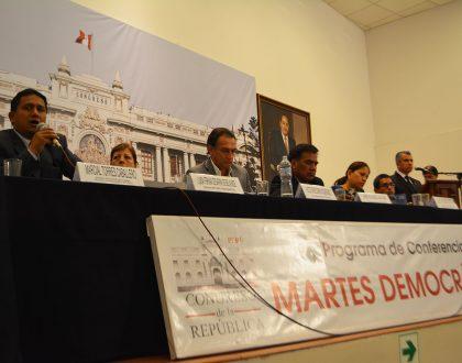 """Decano Nacional participó de """"Martes Democrático"""" en el Congreso de la República"""